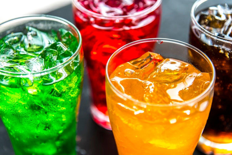 Sladká chuť nápoja ľudský organizmus stimuluje a telo si potom žiada prijímať ešte viac kalórií. FOTO: Pexels