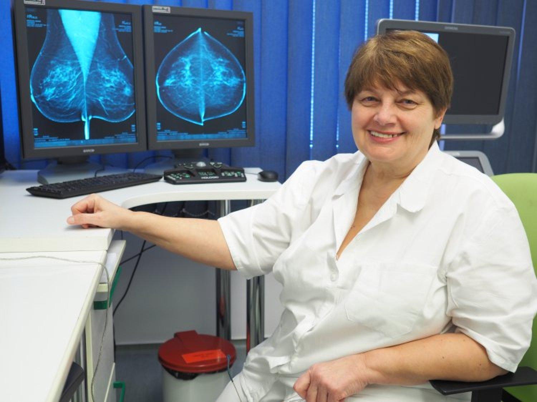 """""""Spúšťame efektívny systém, ktorý zachraňuje životy,"""" vraví o skríningu rakoviny prsníka MUDr. Alena Kállayová. FOTO: preventivne.sk"""