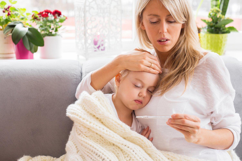 Ak váhate, či podať liek proti teplote, rozhodujúci je celkový stav dieťaťa, nielen hodnota na teplomere. FOTO: Adobe Stock
