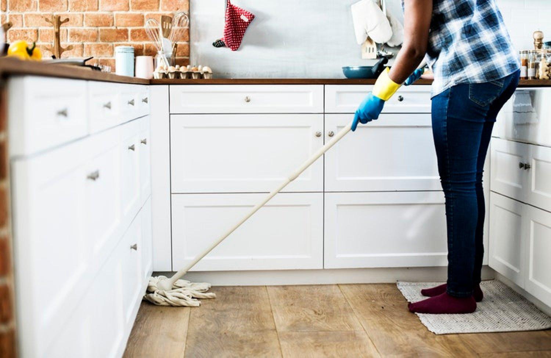 Súvislé upratovanie by nemalo trvať dlhšie ako 45 až 60 minút. FOTO: Pexels