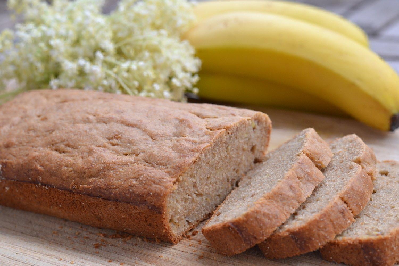 Banánový chlieb zo špaldovej a pohánkovej múky je veľmi jemný a sladký aj bez veľkého množstva cukru. FOTO: www.preventivne.sk