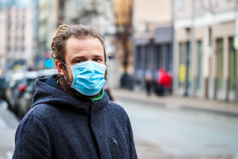 V nedeľu bude úplne všetko zatvorené, bez zakrytej tváre už nemôžeme vyjsť na ulicu. To sú nové opatrenia proti koronavírusu. FOTO: Adobe Stock