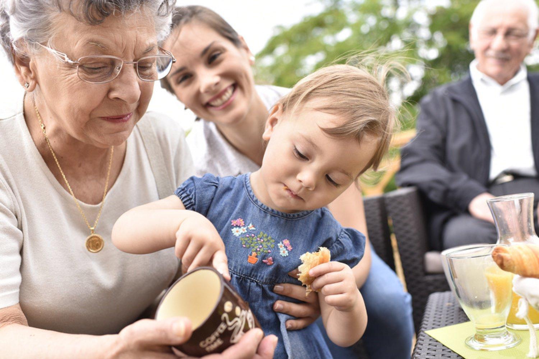 Ohrozenou skupinou pri nákaze koronavírusom sú starší ľudia a chronickí pacienti. FOTO: Adobe Stock