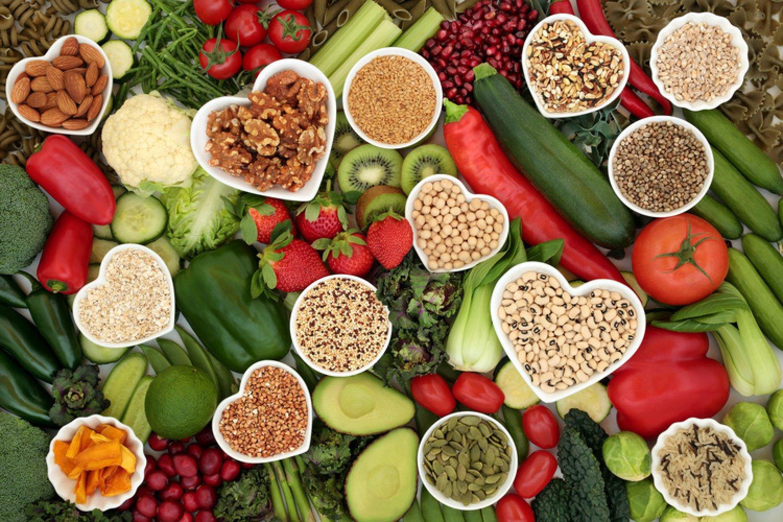 Bojujte s koronavírusom už na tanieri. Vhodne zvolené potraviny nás môžu naozaj ochrániť pred mnohými ochoreniami. FOTO: Adobe Stock