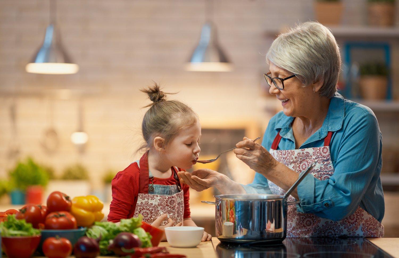 Rady starej mamy na bolesť hrdla a kašeľ fungujú aj bez liekov. FOTO: Adobe Stock