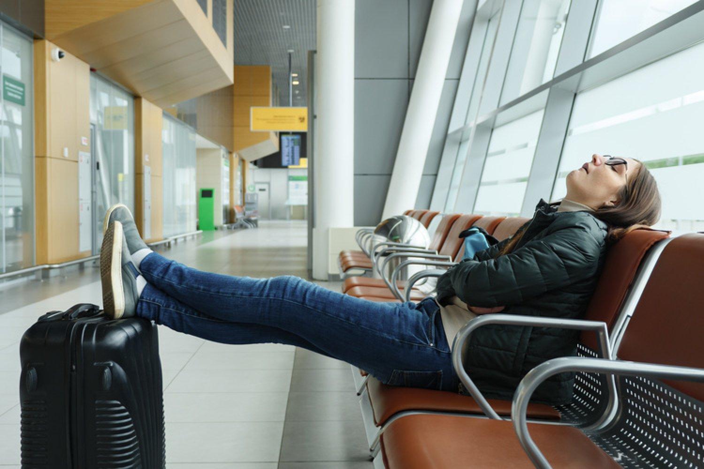 Cestujete a máte problémy s chrbticou? Naučíme vás, ako sa správne ponaťahovať. FOTO: Adobe Stock